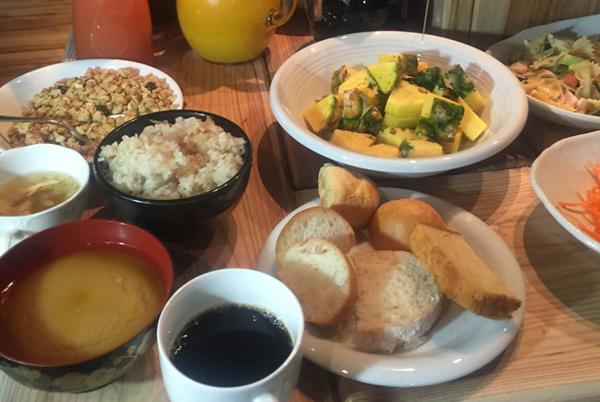 http://www.park-side.co.jp/img/breakfast/pic01.jpg